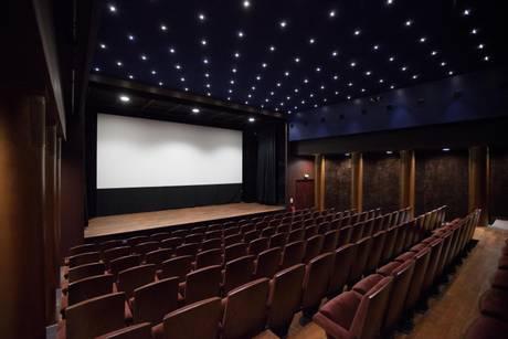 CINEMA: A PARIGI RIAPRE DOPO 25 ANNI IL MITICO LOUXOR